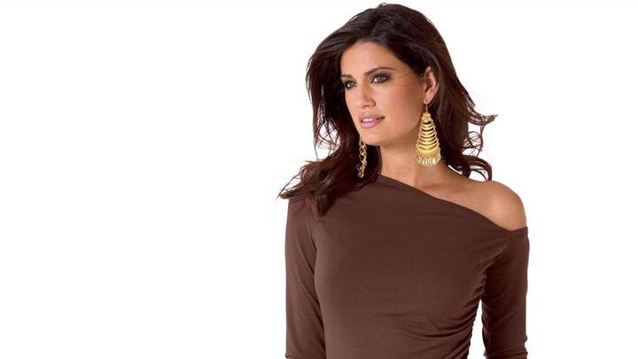 Yamila Diaz In Brown Top N Long Golden Earings Photoshoot