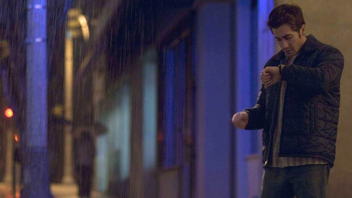 Zodiac – Jake Gyllenhaal Waiting In Rain