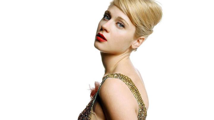 Zooey Deschanel Red Lips In Golden Dress Side Pose Photoshoot