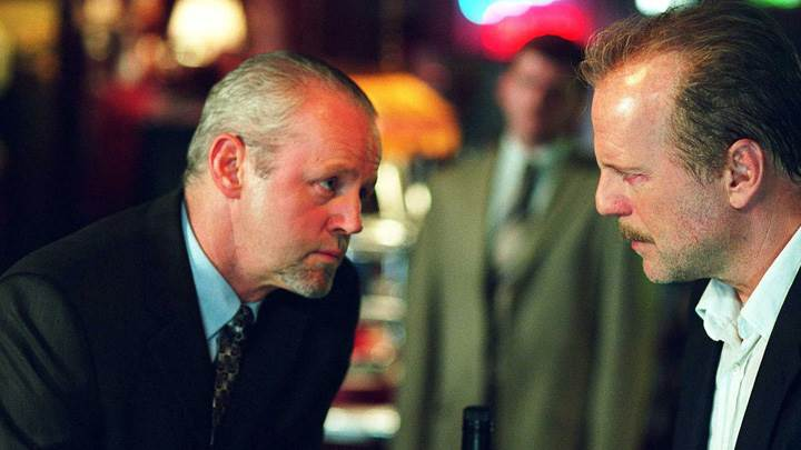 16 Blocks – Bruce Willis and David Morse Sitting In Wine Bar
