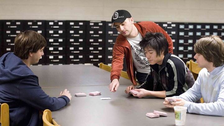 21 – Robert Luketic, Jacob Pitts, Jim Sturgess and Aaron Yoo Playing Cards