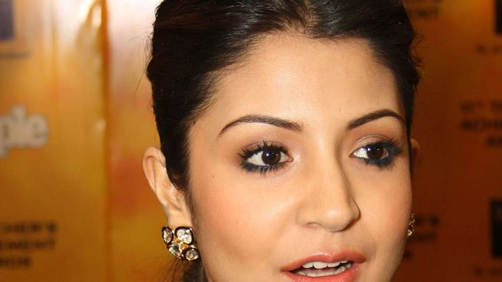 Anushka Sharma Face Closeup At The 11th Teachers Achievement Awards
