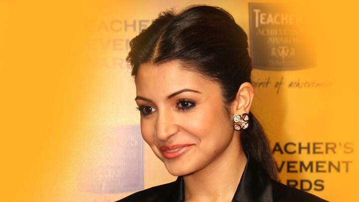 Anushka Sharma Smiling At The 11th Teachers Achievement Awards