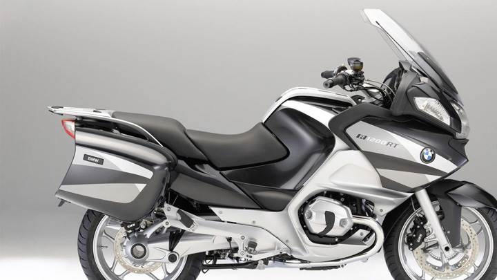 BMW R1200RT In Bllack And White And Side Pose