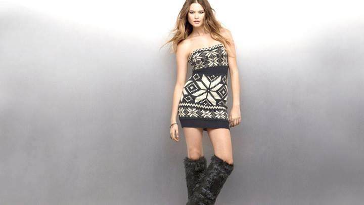 Behati Prinsloo In Black N White Dress Modeling Pose Photoshoot