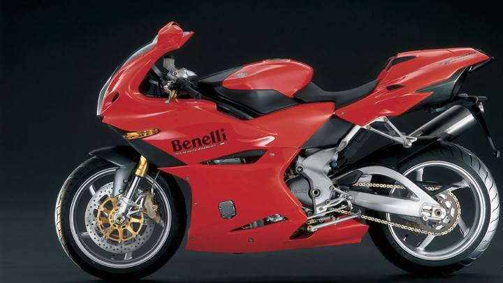 Benelli Tornado Naked Tre 1130 In Red Side Pose