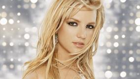Britney Spears Looking At Camera N Golden Hairs Sweet Photoshoot