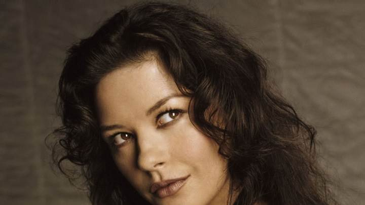 Catherine Zeta-Jones Looking Side Face Cloeup