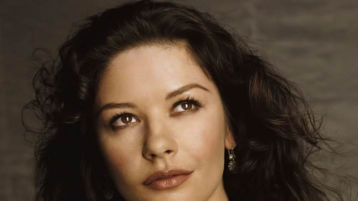 Catherine Zeta-Jones Looking Up N Sweet Face Closeup