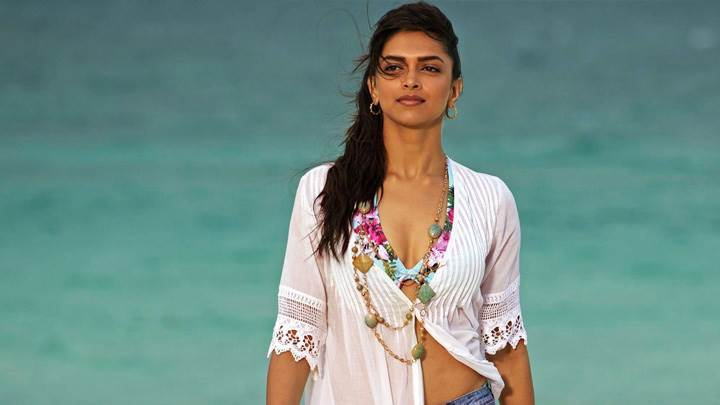 Deepika Padukone In Break Ke Baad In White Dress