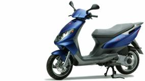 Derbi Boulevard 200 In Blue Side Pose And White Background