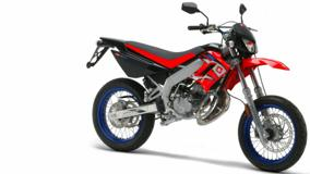 Derbi Supermotard Racer In Red And White Backund