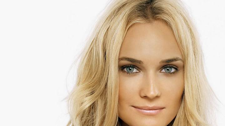 Diane Kruger Sweet Smiling Face Closeup And Golden Hairs