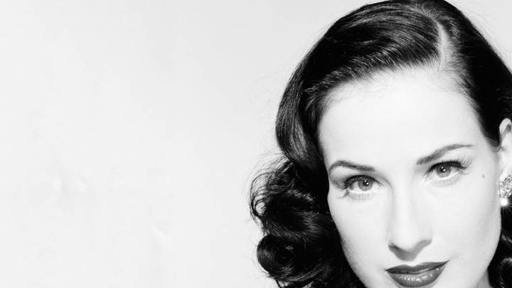Dita Von Teese Black N White Sweet Face Closeup