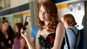 Easy A – Emma Stone Smiling N Black Goggles In Hand