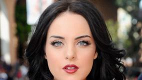 Elizabeth Gillies Ultra Face Closeup And Red Lips