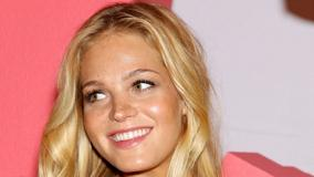 Erin Heatherton Smiling At Victoria's Secret Tour, NYC