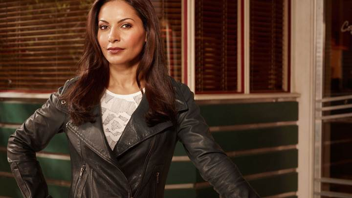 _Eureka – Salli Richardson-Whitfield As Allison Blake In Black Jacket