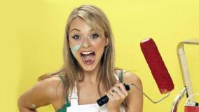 Fearne Cotton Screaming And Mouth Open N Yellow Background