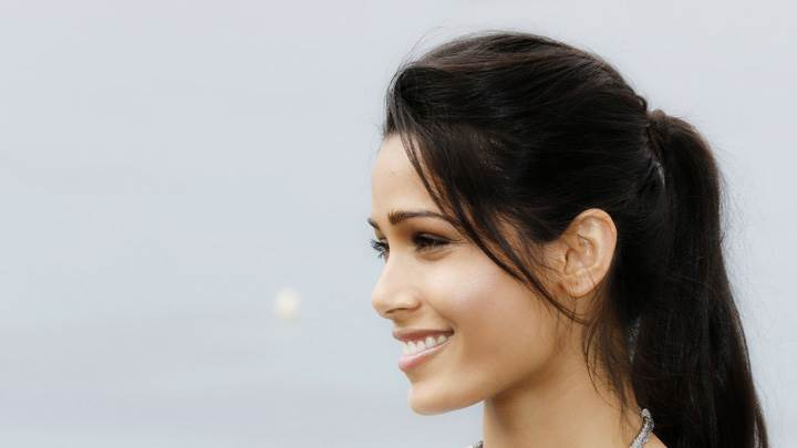 Freida Pinto Side Smiling Face At Desert Dancer Photocall