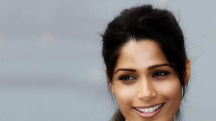 Freida Pinto Smiling Glossy Lips At Desert Dancer Photocall