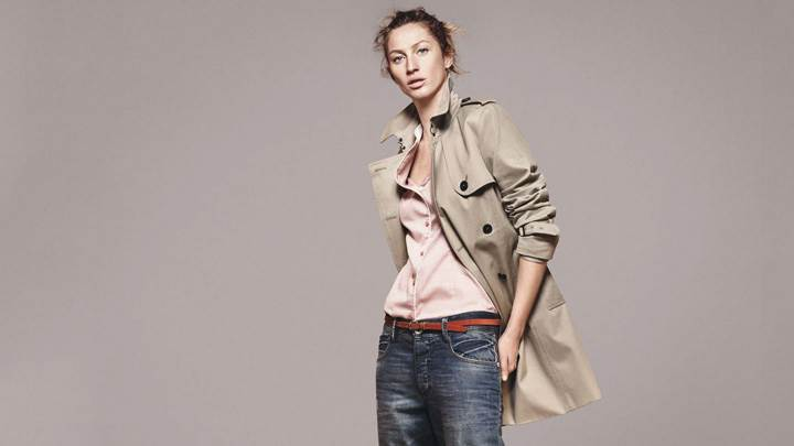 Gisele Bundchen In Coat N Jeans At Esprit Summer