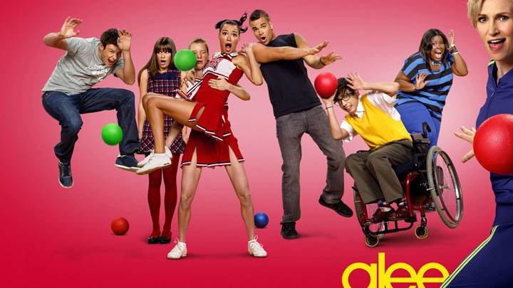 Glee – All Characters And Pink Background