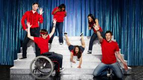 Glee – All In Red And Blue Jeans