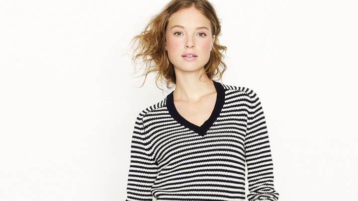 Heloise Guerin In Black N White Top At JC Crew Photoshoot