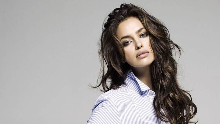 Irina Shayk Looking Front In Lining Shirt
