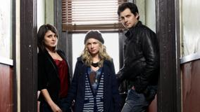 Life Unexpected – Britt Robertson As Lux Cassidy With Shiri Appleby N Kristoffer Polaha