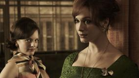 Mad Men – Elisabeth Moss & Christina Hendricks