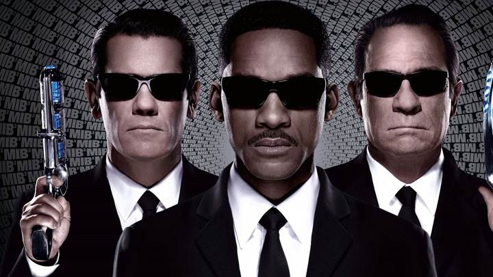Men In Black 3 – Agents In Black Suits