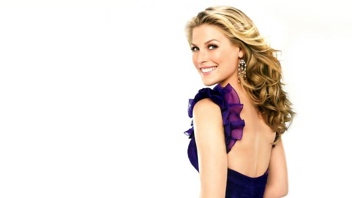 Ali Larter Smiling Back Pose In Blue Dress