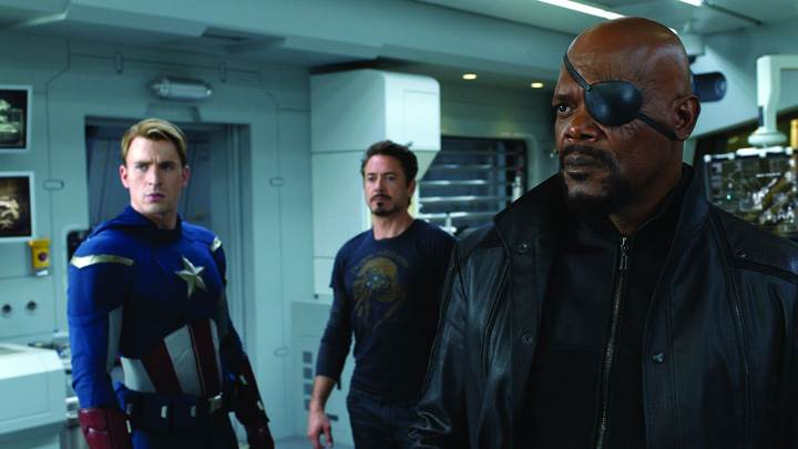 The Avengers – Samuel L. Jackson As Nick Fury Gun In Hand