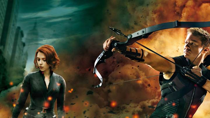 The Avengers – Scarlett Johansson And Jeremy Renner Aiming