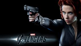 The Avengers – Scarlett Johansson As Black Widow Gun In Hand