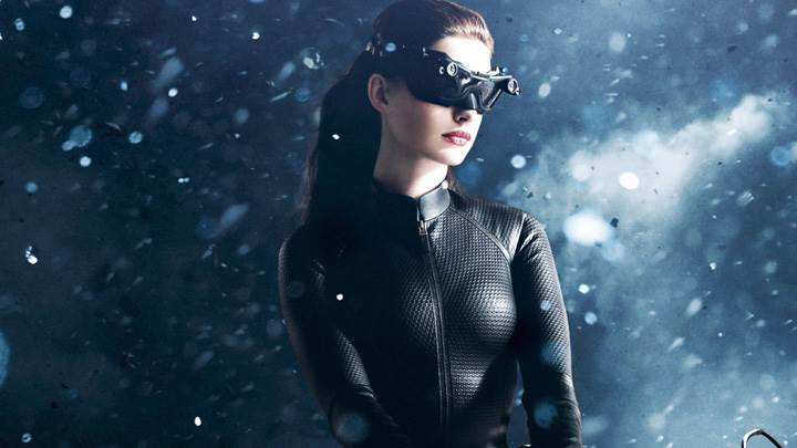 The Dark Knight Rises – Catwoman Anne Hathaway in Black Dress