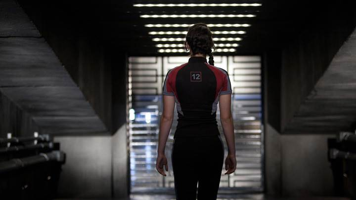 The Hunger Games – Jennifer Lawrence Back Pose
