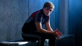 The Hunger Games – Josh Hutcherson Sitting N Looking Front