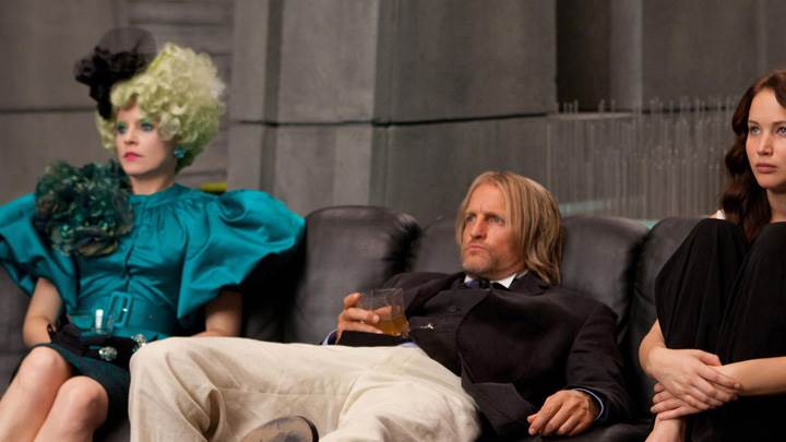 The Hunger Games – Woody Harrelson, Elizabeth Banks and Jennifer Lawrence Sitting
