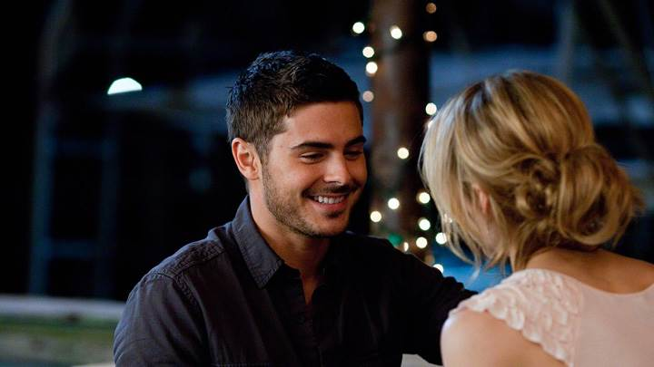 The Lucky One – Zac Efron and Taylor Schilling Sitting