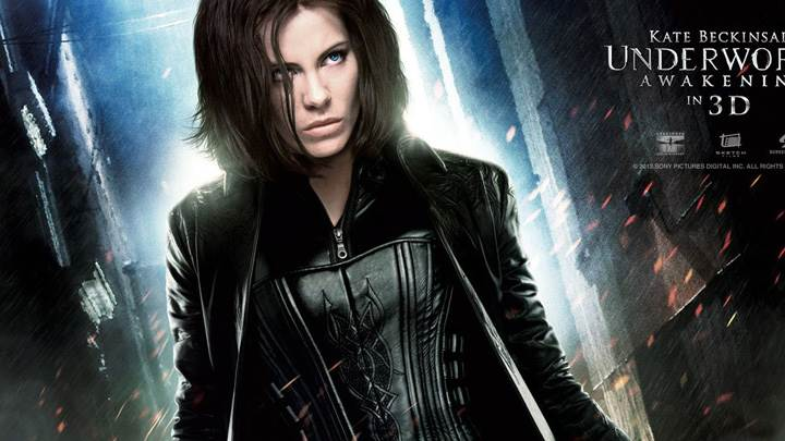 Underworld – Awakening – Kate Beckinsale In Black Dress