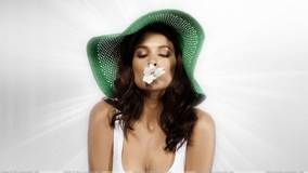 Jenna Pietersen In Green Hat Closed Eyes Photoshoot