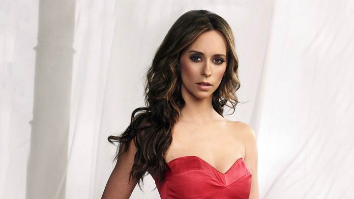 Jennifer Love Hewitt In Red Dress Looking Front Photoshoot