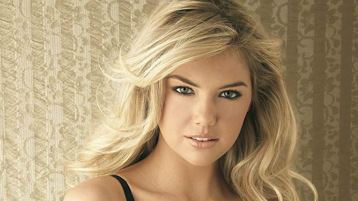 Kate Upton Cute Eyes N Golden Hairs Photoshoot