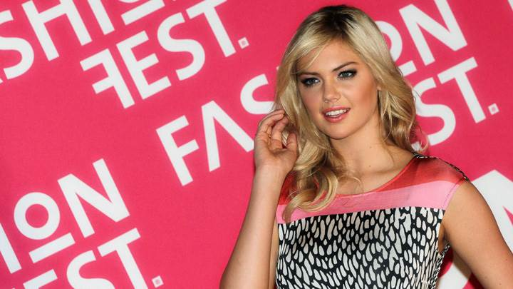 Kate Upton In Black N White Top At Liverpool Fashion Fest Spring