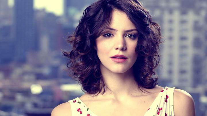 Katharine McPhee Red Lips Looking At Camera Cute Photoshoot