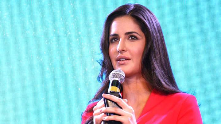 Katrina Kaif Mic In Hand At The Launch Of BlackBerry Curve 9220