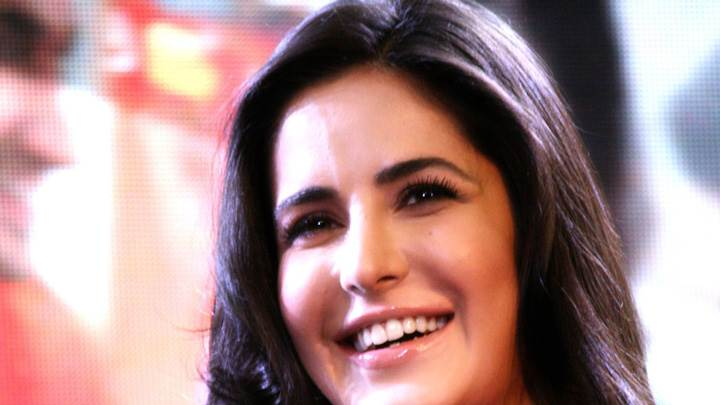 Katrina Kaif Sweet Smiling Face At The Launch Of BlackBerry Curve 9220